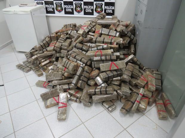 Tabletes de maconha totalizaram 500 kg  (Foto: Polícia Civil/divulgação)