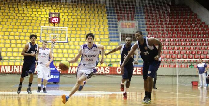 basquete mogi sub-19 paulista barueri (Foto: Reprodução / Facebook)