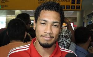 Hernane  Desembarque Flamengo (Foto: Carlos Mota )