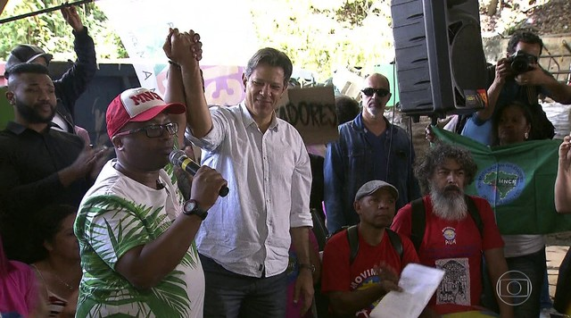 Candidato do PT, Fernando Haddad, recebe apoio de Marina Silva (Rede)