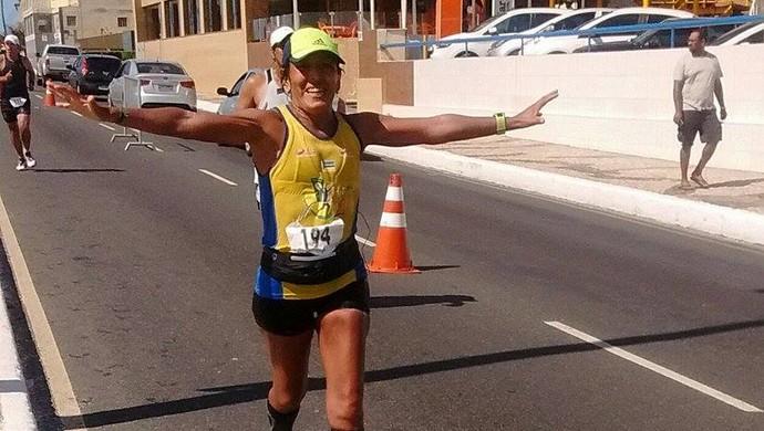 Maratonista recebe carinho e apoio da família em seus treinos (Foto: Tânia Pombo/Arquivo Pessoal)