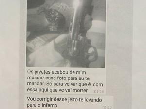 Impressão da conversa por aplicativo, em que o homem é ameaçado pela mulher, em Salvador (Foto: Imagem/ TV Bahia)