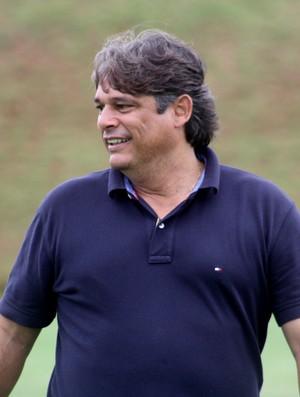 Marcelo Veiga faz mistério sobre a escalação do Botafogo-SP (Foto: Cleber Akamine)