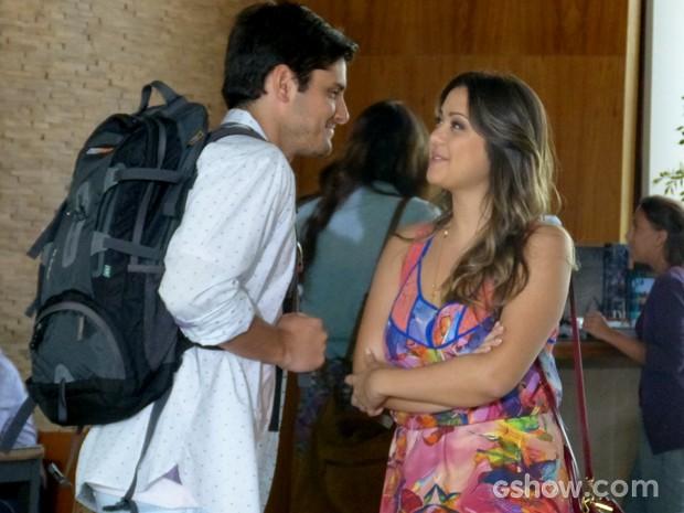 André prefere Bárbara e dispensa Luiza (Foto: Em Família / TV Globo)