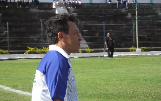 Lorival Santos não gostou do resultado diante do Comercial (Foto: Caio Lorena / Globoesporte.com)