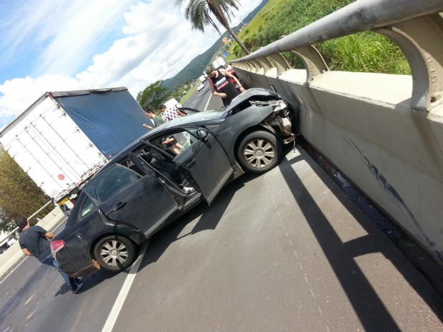 Acidente foi na rodovia dos Bandeirantes em Jundiaí (SP) (Foto: Bruno / TEM Você)