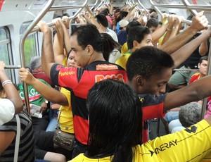 Arena Pernambuco - metrô lotado (Foto: Elton de Castro / Globoesporte.com)