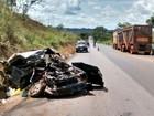 Duas pessoas morrem em acidente entre carro e caminhão na BR-153