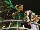 Ivete Sangalo usa look curtinho e cheio de brilho em ensaio técnico no Rio