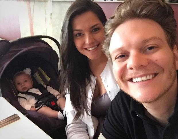 Thais Fersoza e Michel Teló com a filha, Melinda (Foto: Reprodução/Instagram)