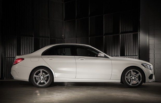 Mercedes fecha setembro com recorde de vendas