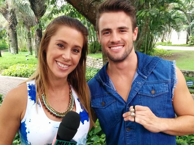 Dani Monteiro e Rafael aps a entrevista (Foto: Livio Vilela/Multishow)