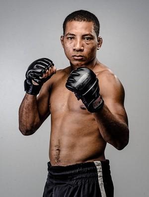 Capixaba Frank Jagunço Bispo faz a luta principal do SFC (Foto: Divulgação/Arquivo Pessoal)