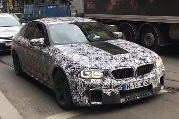 BMW M5 é flagrado em Oslo, na Noruega (Foto: Reprodução / BilNorge)