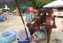 Águas calmas de praias do Norte de Florianópolis atraem famílias