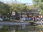 Integrantes do Movimento Social de Luta acampam em praça de Bauru