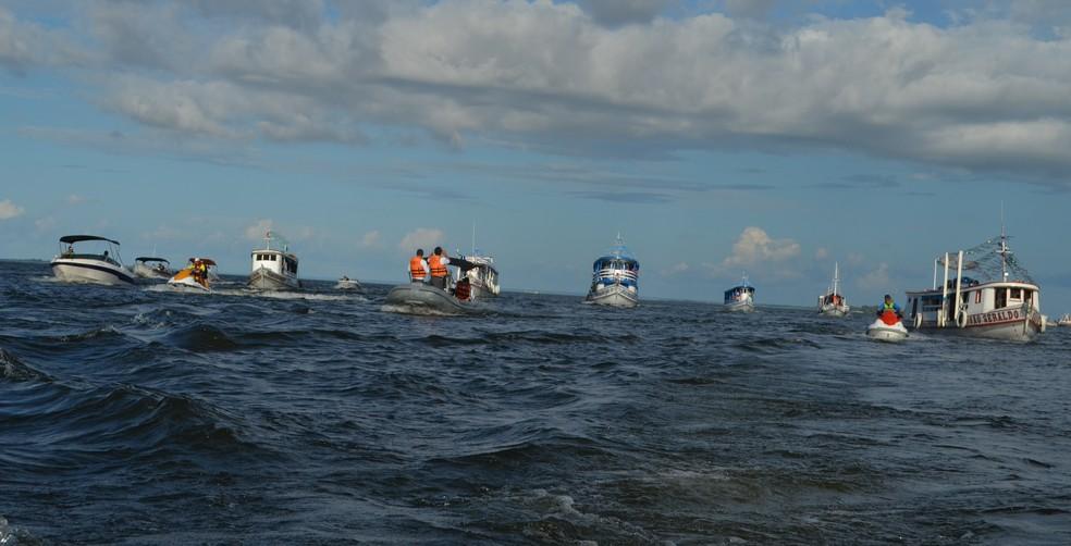 Capitania Fluvial de Santarém acompanhou desde a saída até a chegada da procissão (Foto: Geovane Brito/G1)