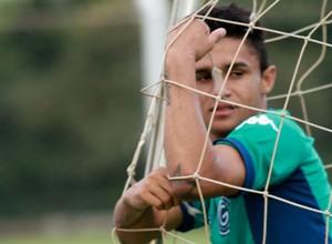 Erik - atacante goiás (Foto: Rosiron Rodrigues / Goiás E.C.)