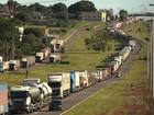 Protestos de caminhoneiros bloqueiam rodovias em Goiás