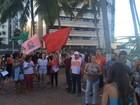 Manifestantes fazem ato pró-Dilma e contra Temer na orla de Maceió