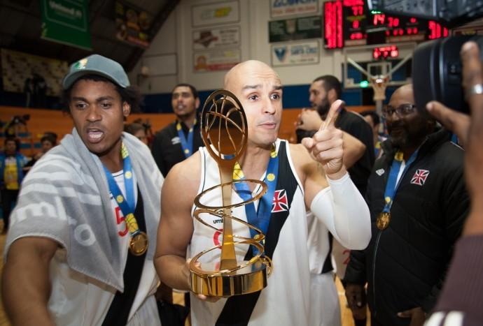 Ricardinho Vasco campeão liga ouro basquete (Foto: Allan Conti/LNB)