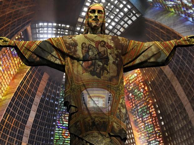 A imagem ganhou várias releituras. Aqui, ela aparece dentro da Catedral Metropolitana do Rio. (Foto: Divulgação/ Hiperfoto-Rio)