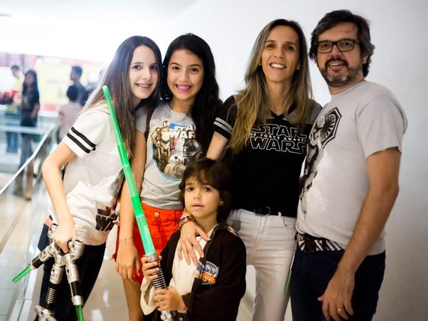 'Luke', de 5 anos, levou família para assistir novo filme da saga (Foto: Jonathan Lins/G1)