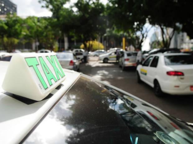 Táxi em via pública do Distrito Federal (Foto: Pedro Ventura/GDF)
