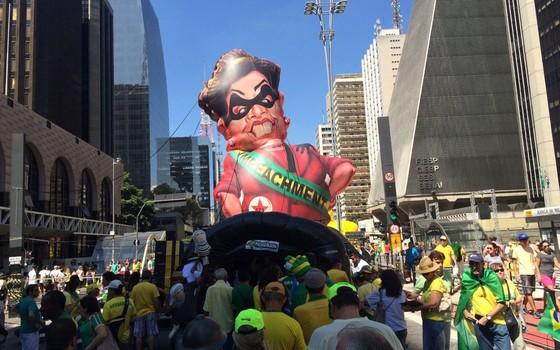 Manifestação a favor do impeachment na Av. Paulista  (Foto: Nathalia Bianco/ Época )