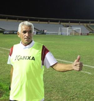 Hélio Pinheiro, auxiliar técnico do River-PI (Foto: Abdias Bideh/GloboEsporte.com)