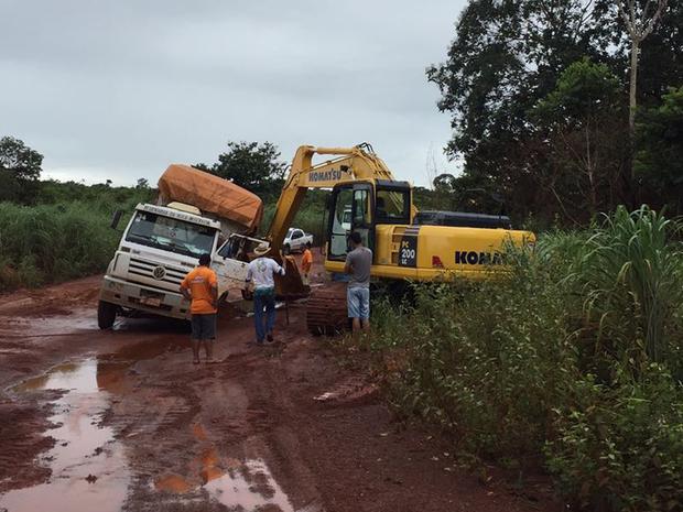 Chuvas intensas têm causado atoleiros na região do Araguaia (Foto: Defesa Civil/Divulgação)