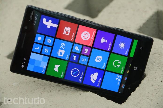 Nokia Lumia 930 tem tela fullHD de 5 polegadas (Foto: Lucas Mendes/TechTudo)