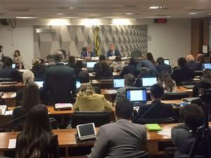 Comissão especial do Senado aprovou redução do período de campanha na TV (Foto: Filipe Matoso/G1)