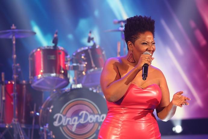 Vanessa Jackson arrasa em tributo a Whitney Houston (Foto: Carol Caminha/Gshow)