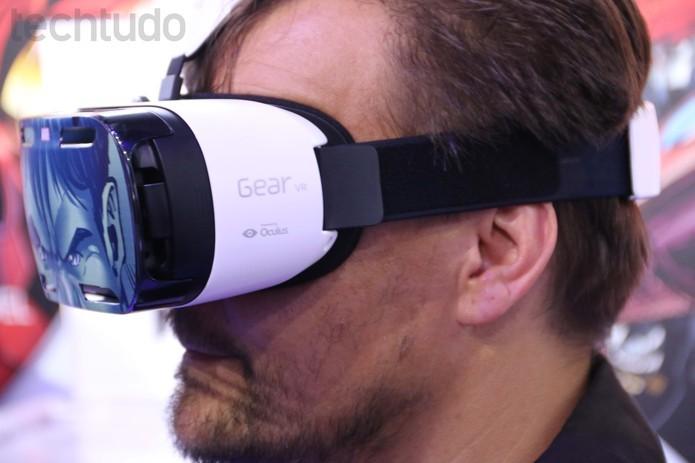 Gear VR, óculos de realidade virtual feito pela Samsung e Oculus VR (Foto: Fabricio Vitorino/ TechTudo)
