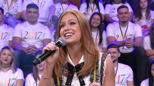 Marina Ruy Barbosa relembra 'Dancinha': 'Era desengonçada, magrela e comprida'