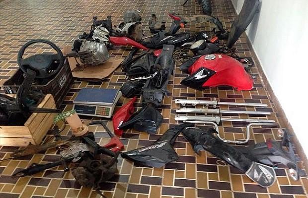 Peças foram localizadas em desmanche, em Quebrangulo (Foto: Divulgação/PC)