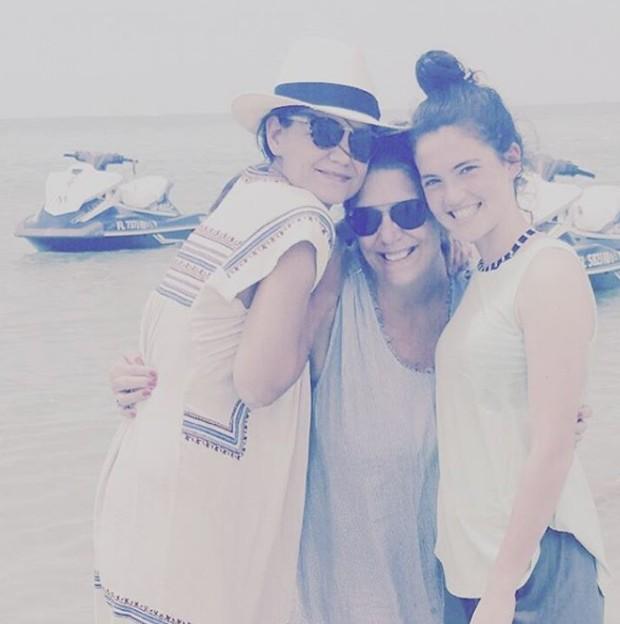 Katie Holmes e Suri Cruise aproveitando as férias ao lado da família na Flórida (Foto: Reprodução/Instagram)