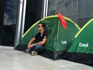Barracas foram levadas de praça para as dependências da Assembleia (Foto: Sabrina Coelho/G1)