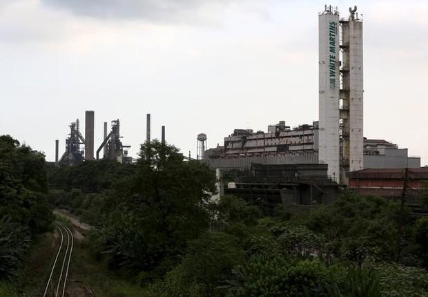 Vista geral da Usiminas, maior produtora de aços planos do país em capacidade instalada, em Cubatão (Foto: Paulo Whitaker/Reuters)