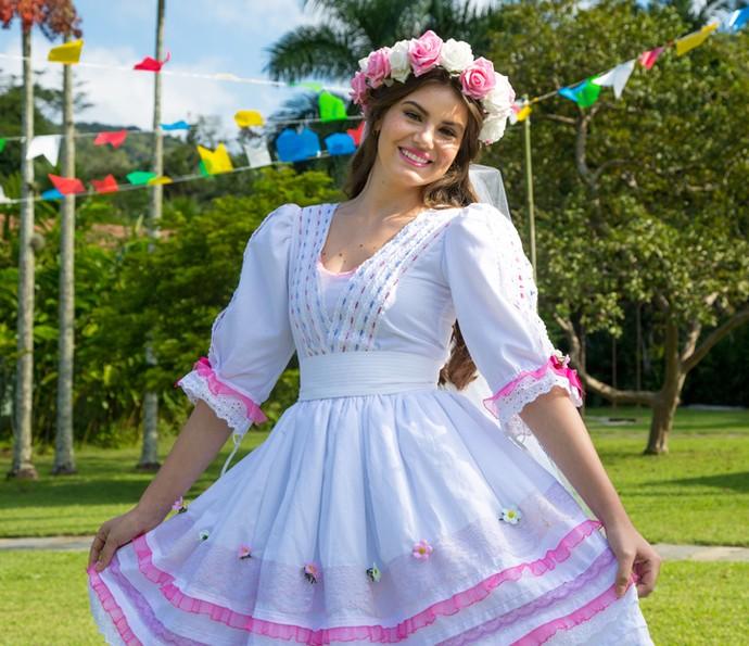 Camila Queiroz é a noiva do arraiá do 'Estrelas' (Foto: Fabiano Battaglini/Gshow)