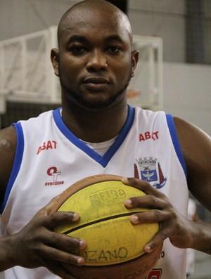 Ricardo Gaspar Suzano Basquete (Foto: Thiago Fidelix / Globoesporte.com)