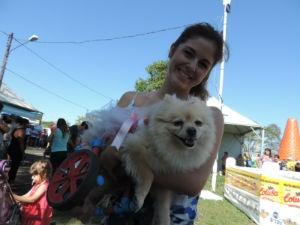 Yuse foi adotada pela veterinária Francielly Arenazio há dois anos (Foto: Natália Clementin/G1)