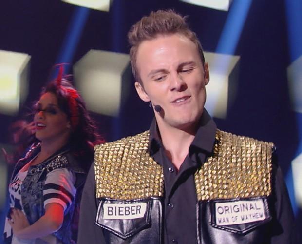 Miguel Roncato dançou e encantou como Justin Bibier (Foto: Caldeirão)
