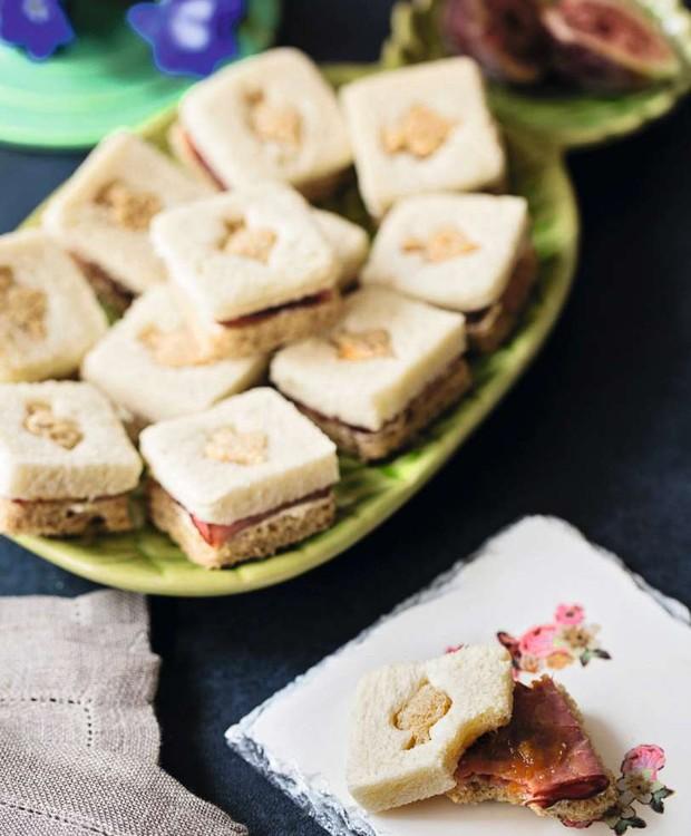 Minissanduíche da pastrami e chutney de manga (Foto: Elisa Correa)