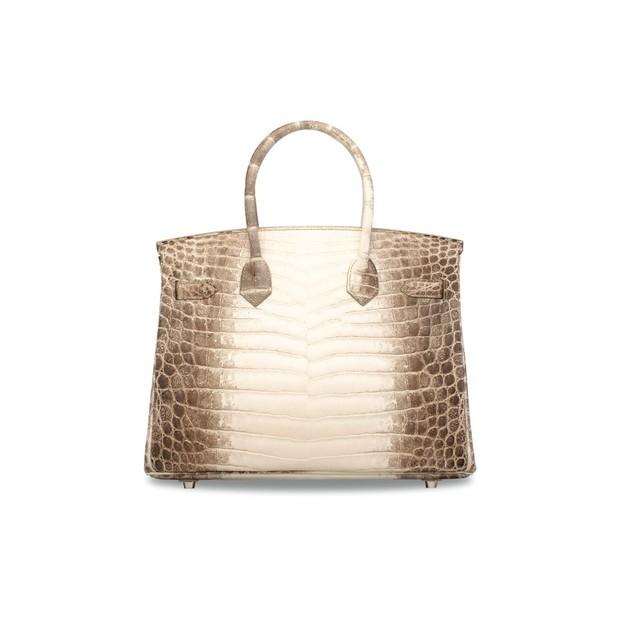 Feita de couro de crocodilo, diamantes e ouro, modelo Birkin, da Hermès, foi vendida por valor recorde (Foto: Divulgação)