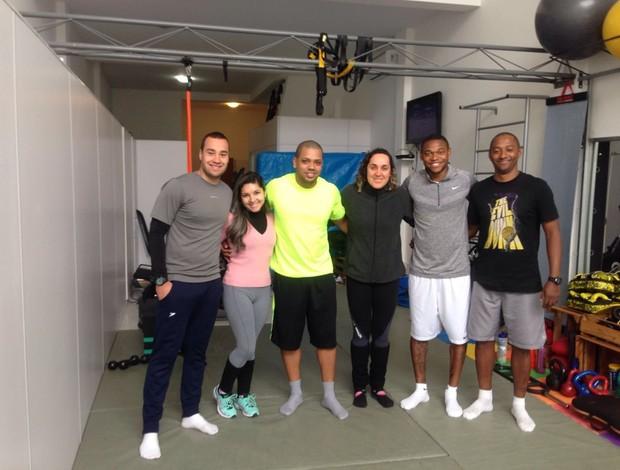 BLOG: Luiz Adriano aproveita férias para manter a forma e fala sobre temporada; veja fotos