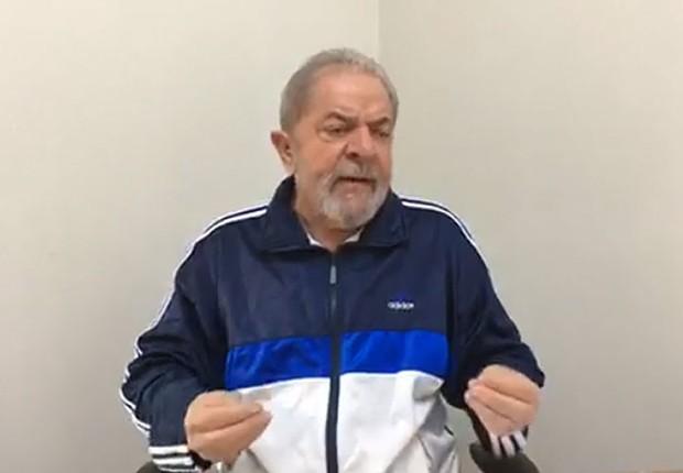 O ex-presidente Luiz Inácio Lula da Silva em entrevista a rádio em Sergipe (Foto: Reprodução/Facebook)