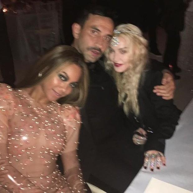 Beyoncé, Riccardo Tisci e Madonna no MET (Foto: Reprodução/Instagram)