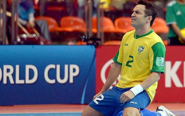 Falcão comemora gol no jogo do Brasil contra a Argentina no futsal (Foto   FIFA 03d2d4904d155